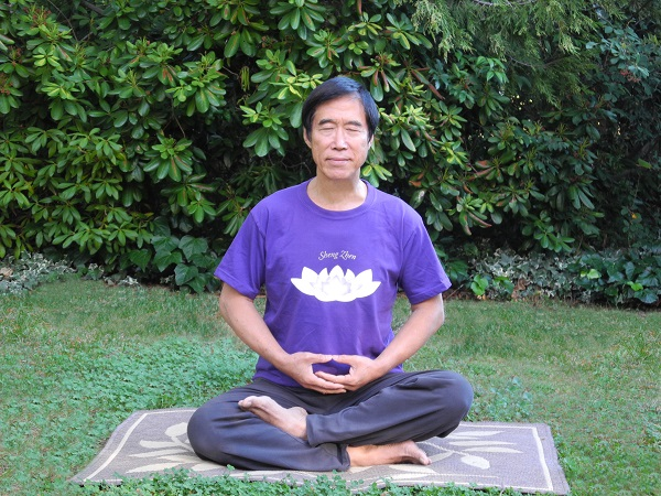 Master Li Meditating2-LizHome 2012 revised E-s